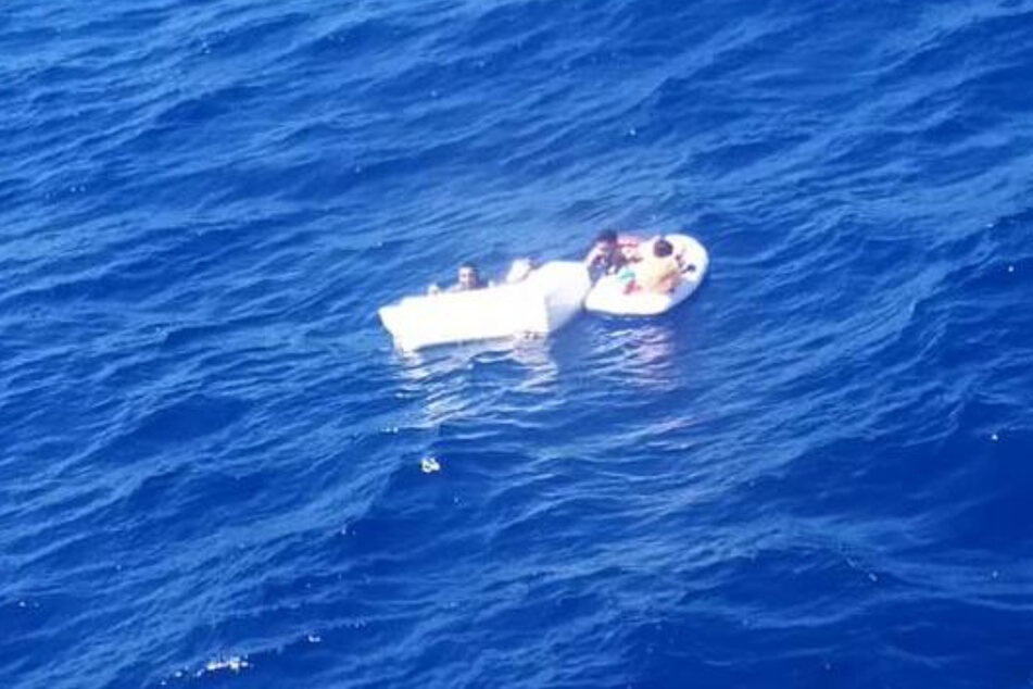 Eine riesige Welle sorgte für das Auseinanderbrechen des Schiffes.