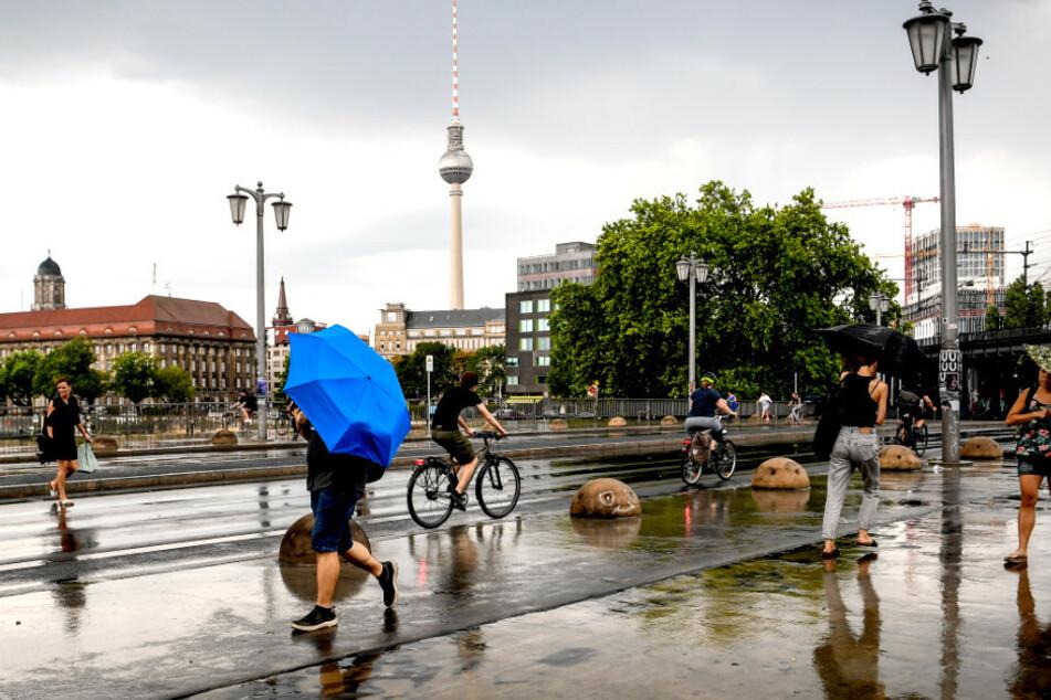 Regen und Gewitter rollen auf Berlin und Brandenburg zu!