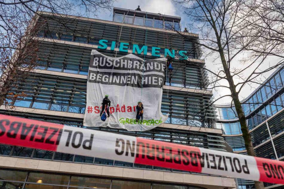 Greenpeace-Aktivisten besetzten Siemens-Zentrale in München
