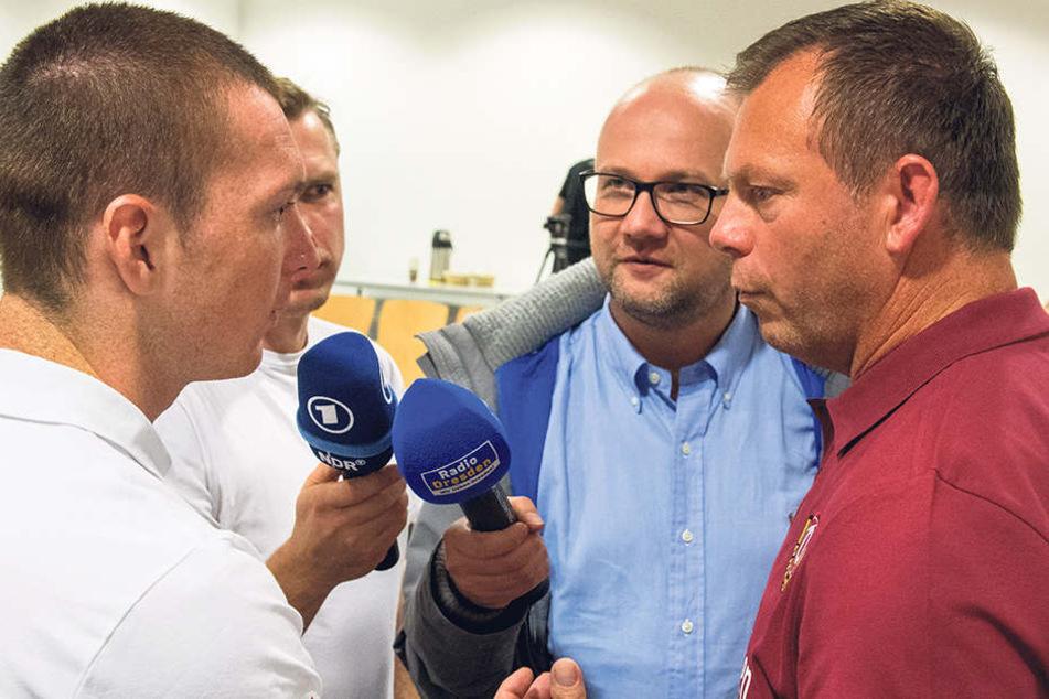 Haris Duljevic (v.l.) braucht Torwarttrainer Brano Arsenovic noch als Übersetzer.