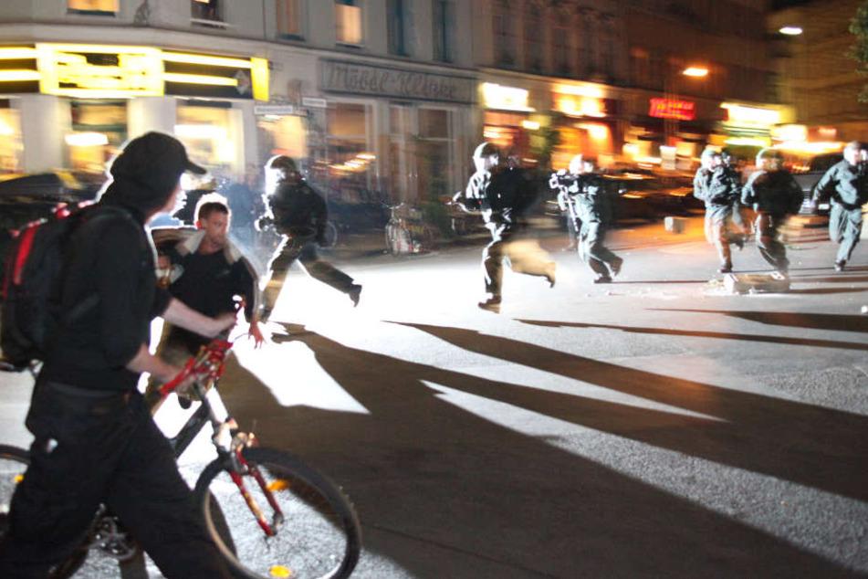 Mehrere Teilnehmer der Demo wurden bei der Auseinandersetzung verletzt. (Symbolbild)