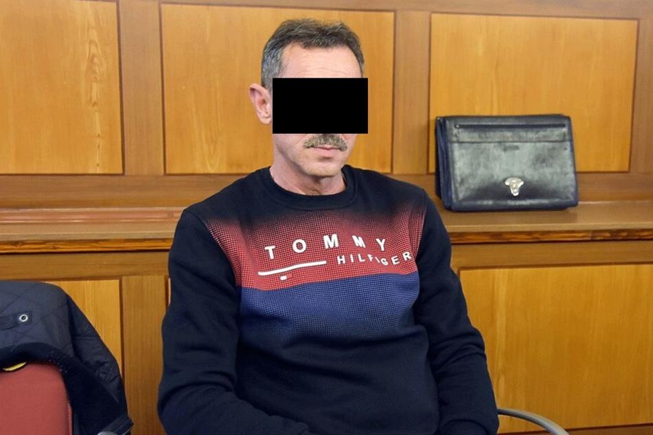 Andrej Y. (54) entschuldigte sich für die Taten.