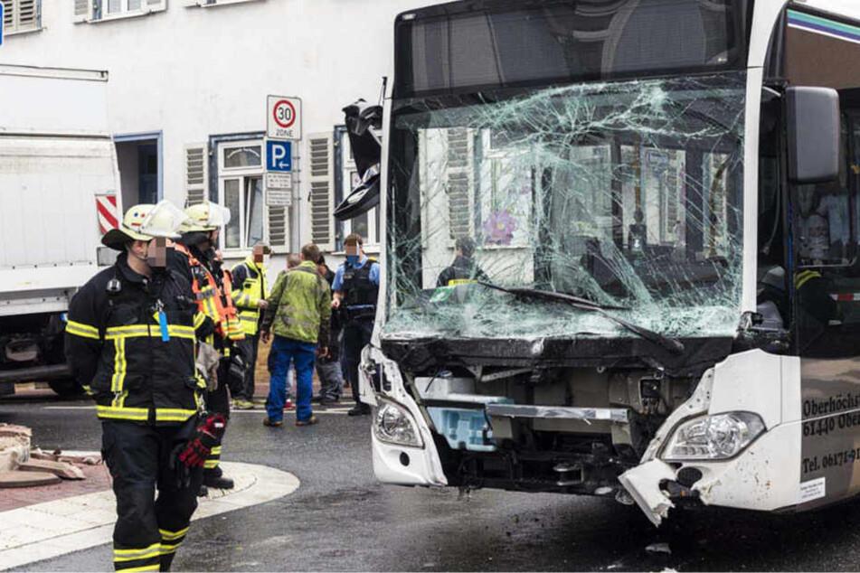 Laut Polizei kam es an einer Kreuzung zu dem Zusammenstoß.