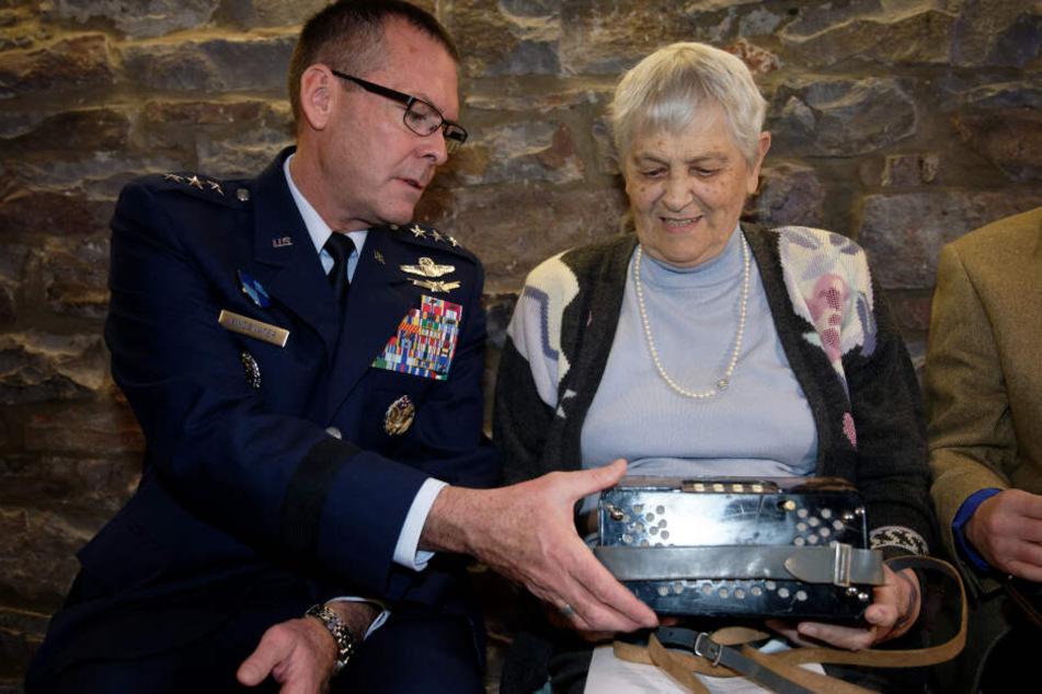 US-NATO-General schreibt E-Mail in die Eifel: Denkwürdige Geschichte nimmt ihren Lauf