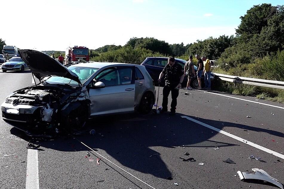 An den betroffenen Autos entstand Totalschaden.