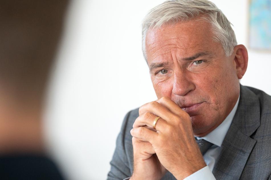 Innenminister Strobl offen für umfassende Extremismus-Studie