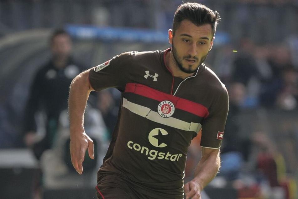 Cenk Sahin (25) darf nicht mehr für St. Pauli spielen.