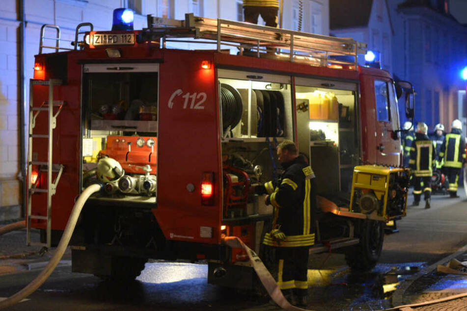 Die Feuerwehr war mit zahlreichen Helfern vor Ort.