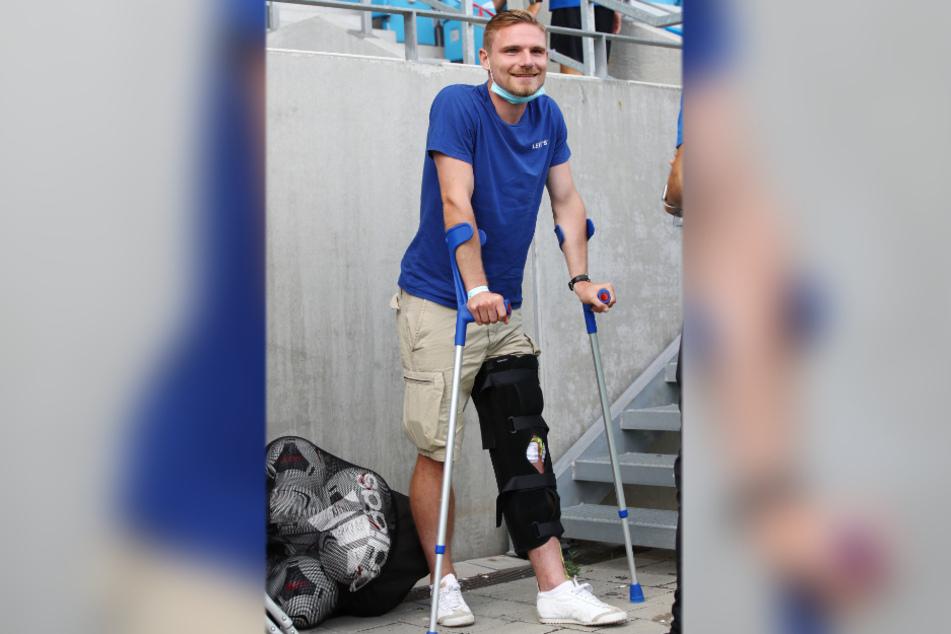 Kann trotz seiner Knieverletzung lachen und bleibt optimistisch: Robert Zickert.