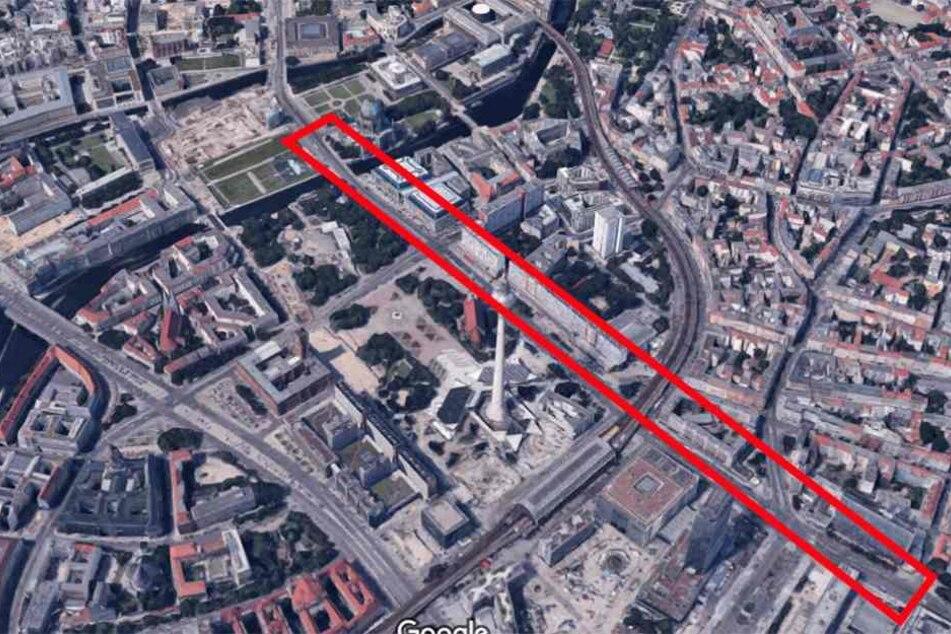 Die Karl-Liebknecht-Straße erstreckt sich vom Berliner Dom rund um den Alexanderplatz.