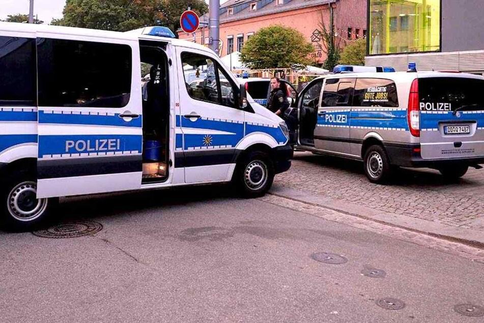 Zum dritten Mal binnen kürzester Zeit zeigte die Polizei in der Dresdner Neustadt Präsenz.