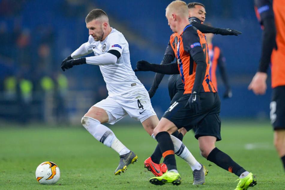 Beim Spiel in Charkiw trennten sich Frankfurt und Donezk 2:2.