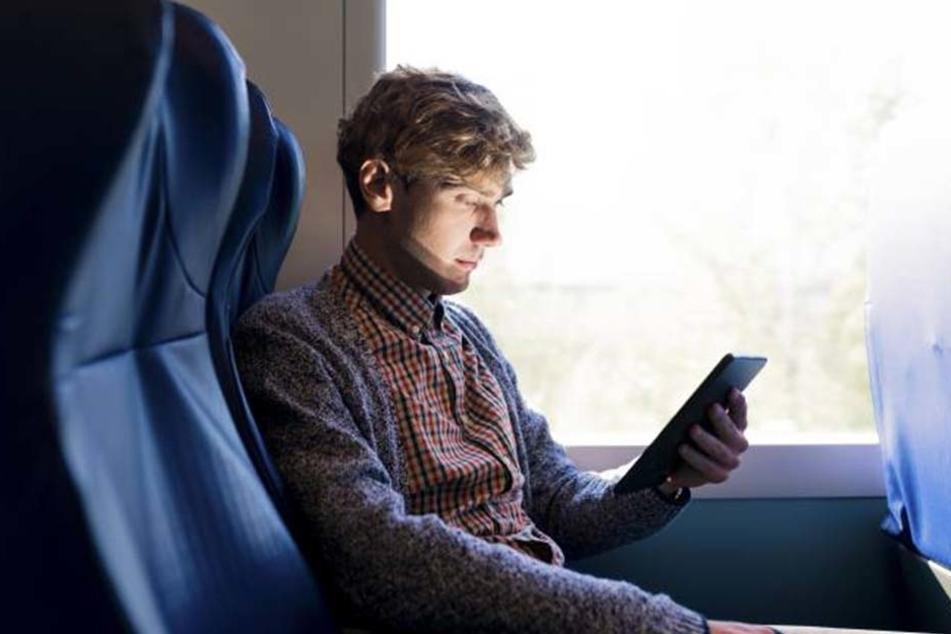 Bequem surfen und chatten. Das will die Deutsche Bahn bald allen Reisenden in den Regionalzügen ermöglichen.