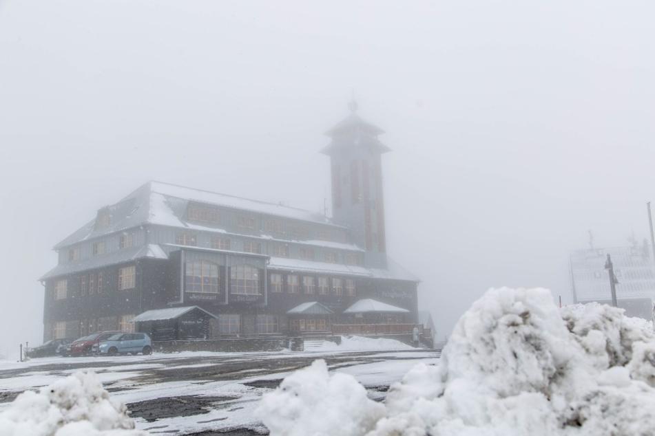 Auf dem Fichtelberg gab es fünf Zentimeter Neuschnee.