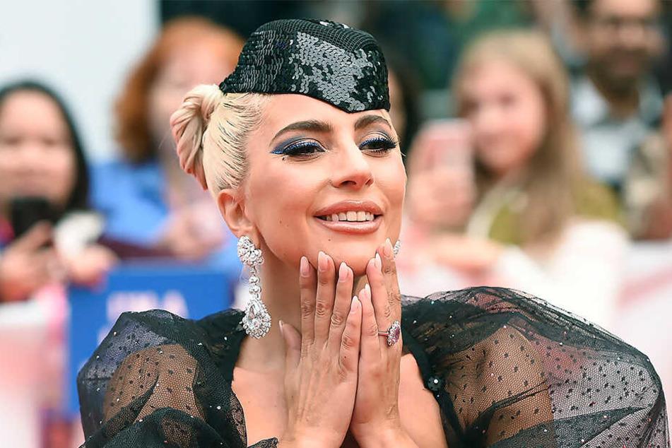Ist Lady Gaga in ihren Filmpartner verliebt?