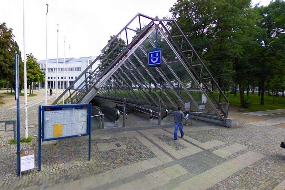 """Die """"Tüte"""" ist einer der ersten Schandflecken in Bielefeld, den Besucher, die mit dem Zug anreisen, zu sehen bekommen."""