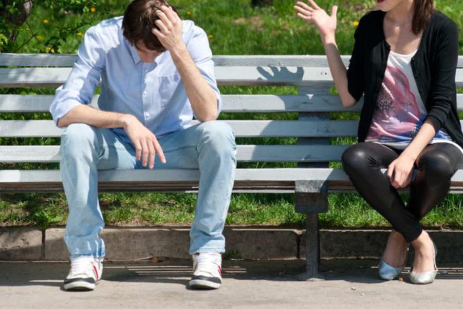 Ein 17 Jahre alter Mann und seine Freundin haben sich in Herford gezofft. (Symbolbild)