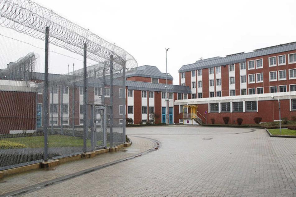 Der Vergewaltiger war gerade auf Freigang, ist eigentlich in der JVA Aachen untergebracht.