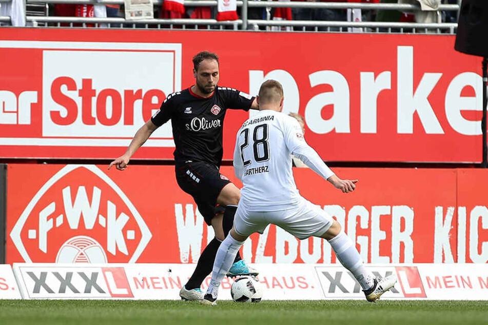 Rico Banatelli (li.) schoß die zwischenzeitliche 1:0-Führung für die Würzburger Kickers.