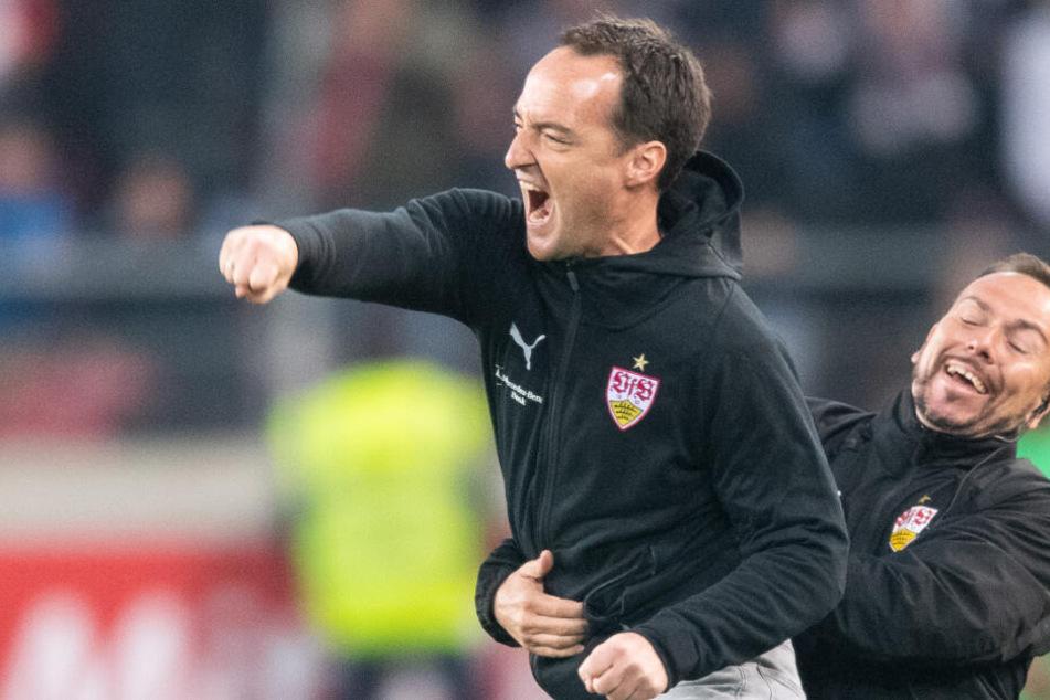 Nico Willig jubelte beim 1:0-Sieg gegen Borussia Mönchengladbach ausgelassen an der Seitenlinie.