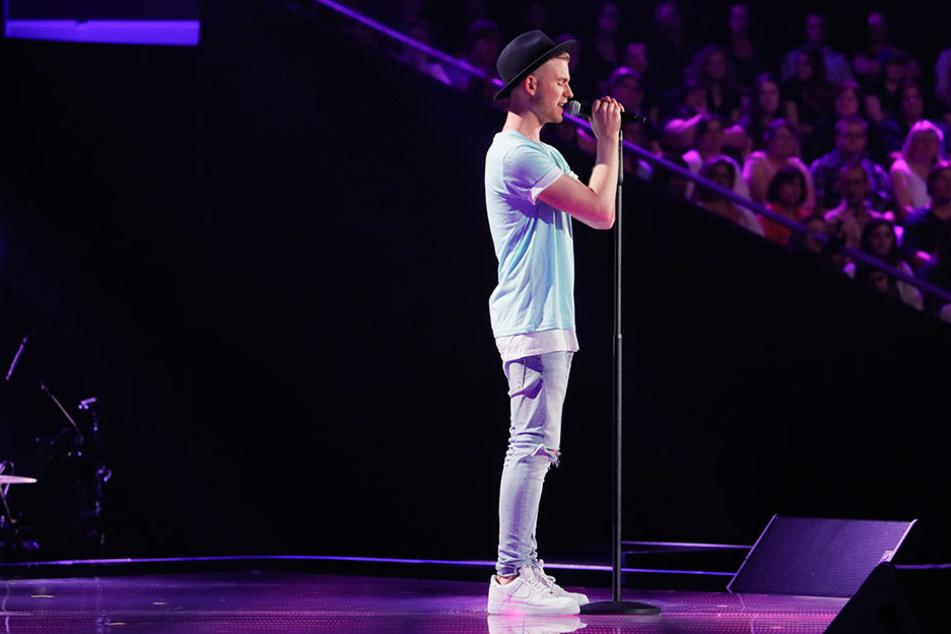 Patrick liebt es auf der Bühne zu stehen.