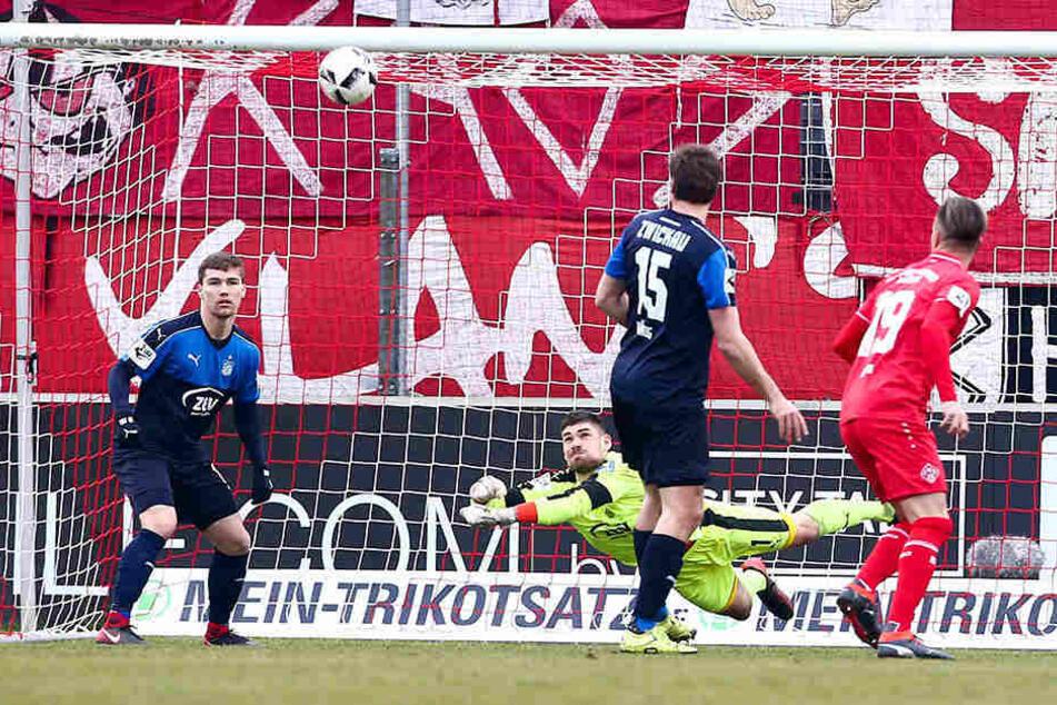 Für FSV-Keeper Johannes Brinkies (3.v.l.) hätte die vergangene Woche kaum besser laufen können.