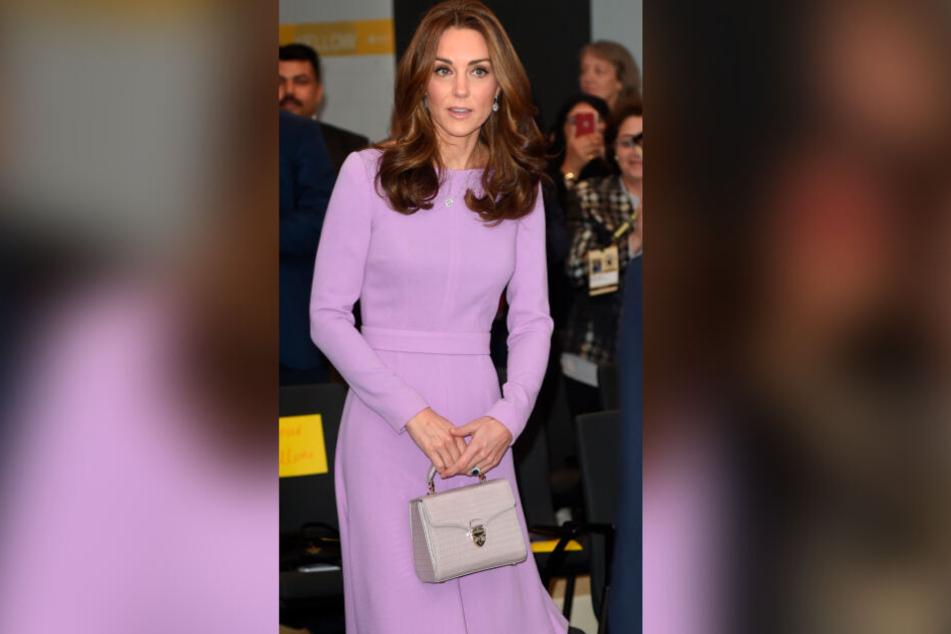 Kate überzeugt bei der Kleiderwahl durch ein hervorragendes Händchen für Farben.