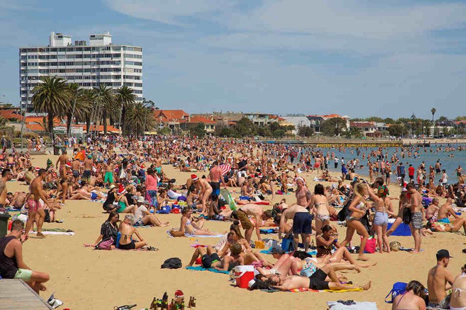 An acht Stränden in Melbourne wird vor Fäkalien gewarnt. Menschen sollten dort nicht mehr ins Meer gehen.
