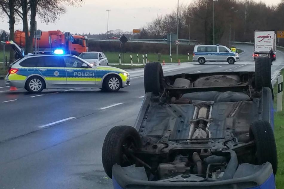 Auto überschlägt sich: zwei Schwerverletzte bei Unfall