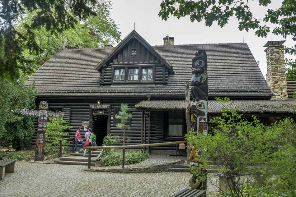 """In der """"Villa Bärenfett"""" des Museums informiert seit 1928 eine Ausstellung über das Leben der Indianer Nordamerikas."""