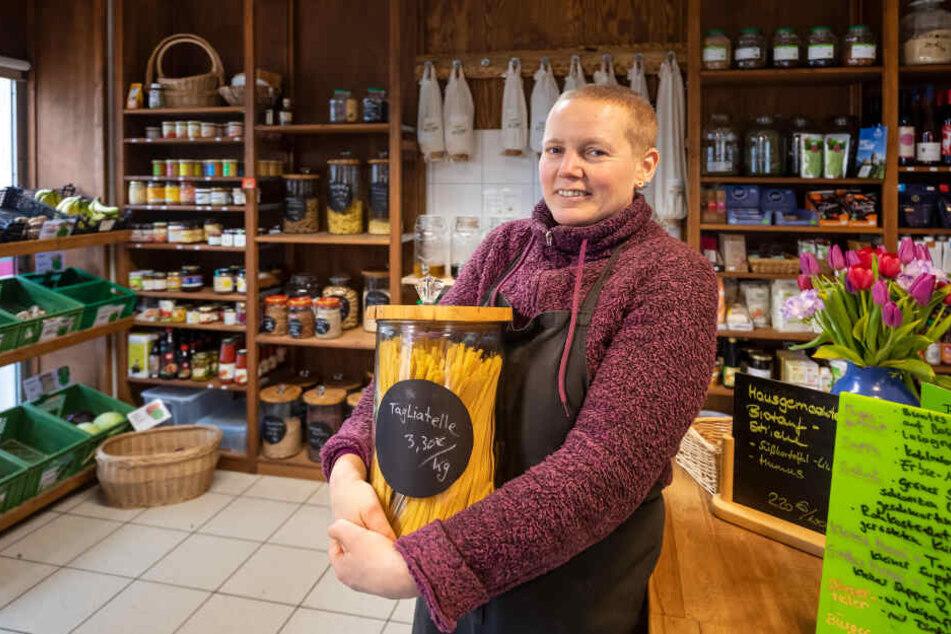 """""""Peacefood""""-Chefin Ina Hoyer (48) verkauft in ihrem Laden nur unverpackte Produkte."""