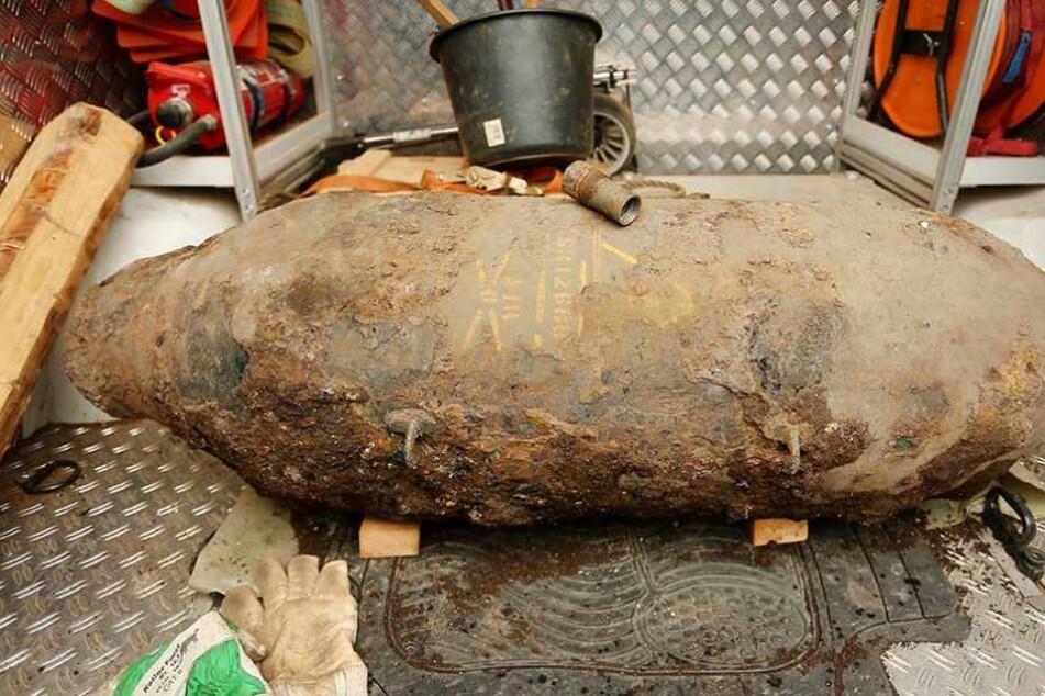 In Forst muss eine Fliegerbombe aus dem zweiten Weltkrieg entschärft werden (Symbolfoto).