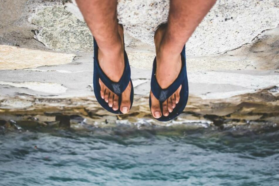 Sandalen trug der 21-Jährige seit über zehn Jahren nicht mehr. (Symbolbild)