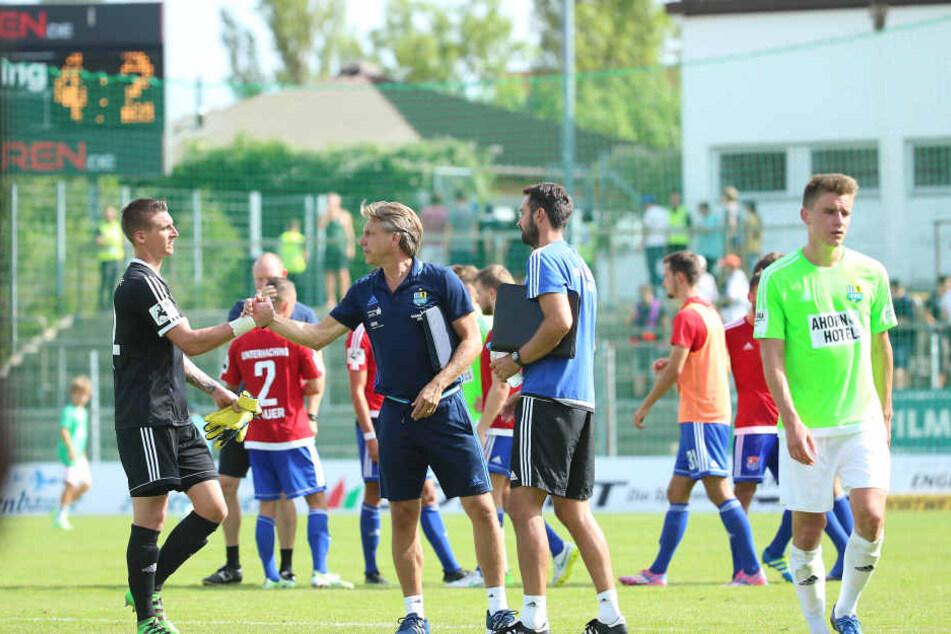 CFC-Keeper Kevin Kunz klatschte mit Horst Steffen ab und nahm den Trainer nachher in Schutz.