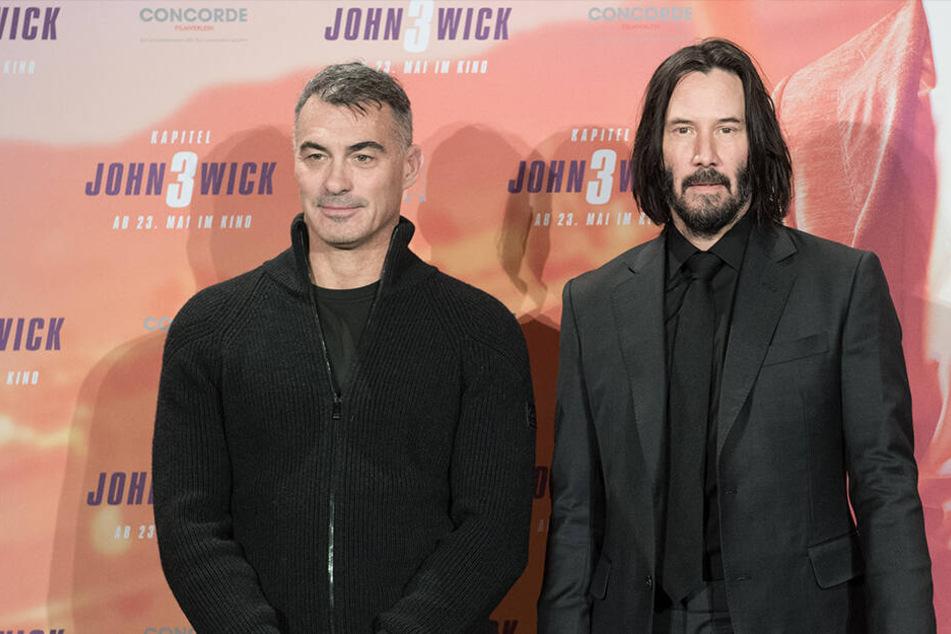 """Keanu Reeves (r.) und Regisseur Chad Stahelski stellten """"John Wick: Kapitel 3 - Parabellum"""" in Berlin auf einer Pressekonferenz vor."""