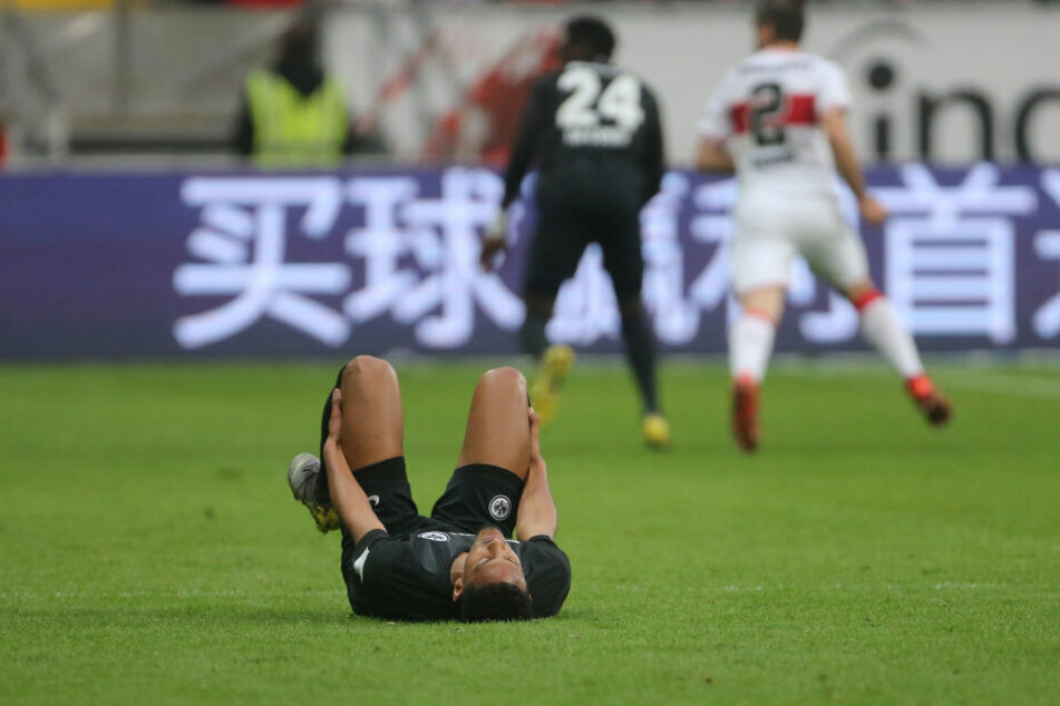 Gegen Stuttgart blieb Haller verletzt auf dem Boden liegen.