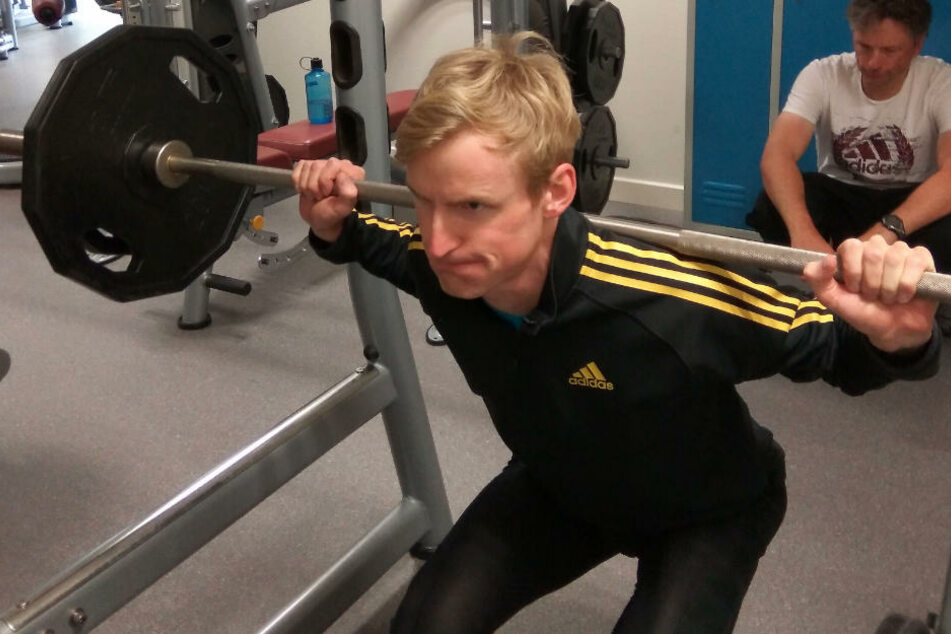 Severin Freund beim Krafttraining: Nach seiner Verletzungspause will er wieder angreifen.