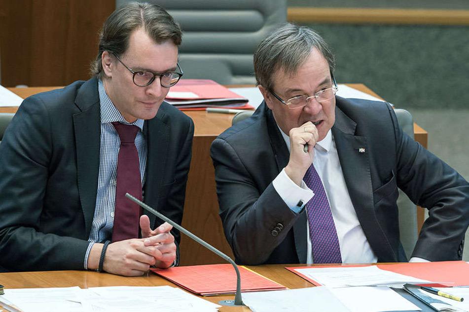 Eingelenkt: Hendrik Wüst (CDU) und Armin Laschet sind wegen ihrem Vorstoß mächtig unter Druck geraten.
