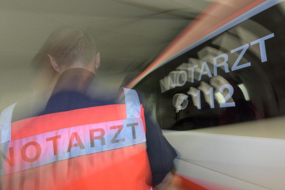 Bei einem schweren Auffahrunfall in Zwickau sind vier Menschen verletzt worden (Symbolbild).