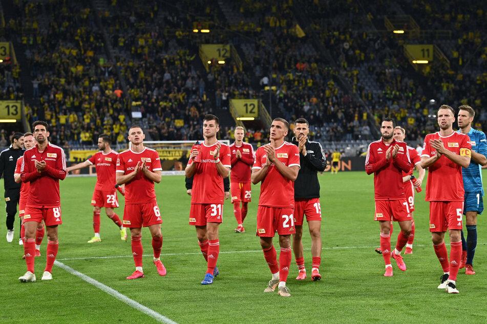 Die Eisernen nach Abpfiff in Dortmund.