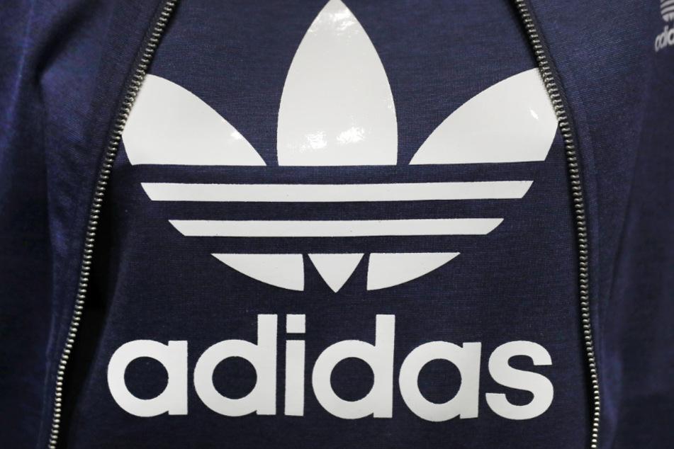 Adidas ist eingeknickt (Symbolbild).