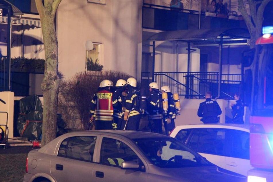 Fünf Menschen, darunter ein Kind, mussten dabei evakuiert werden.