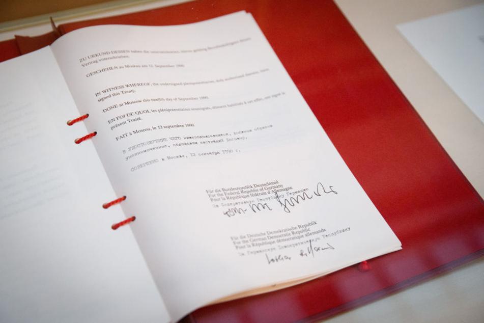 """Der """"Zwei-plus-Vier-Vertrag"""" machte 1990 den Weg für die Wiedervereinigung Deutschlands frei."""