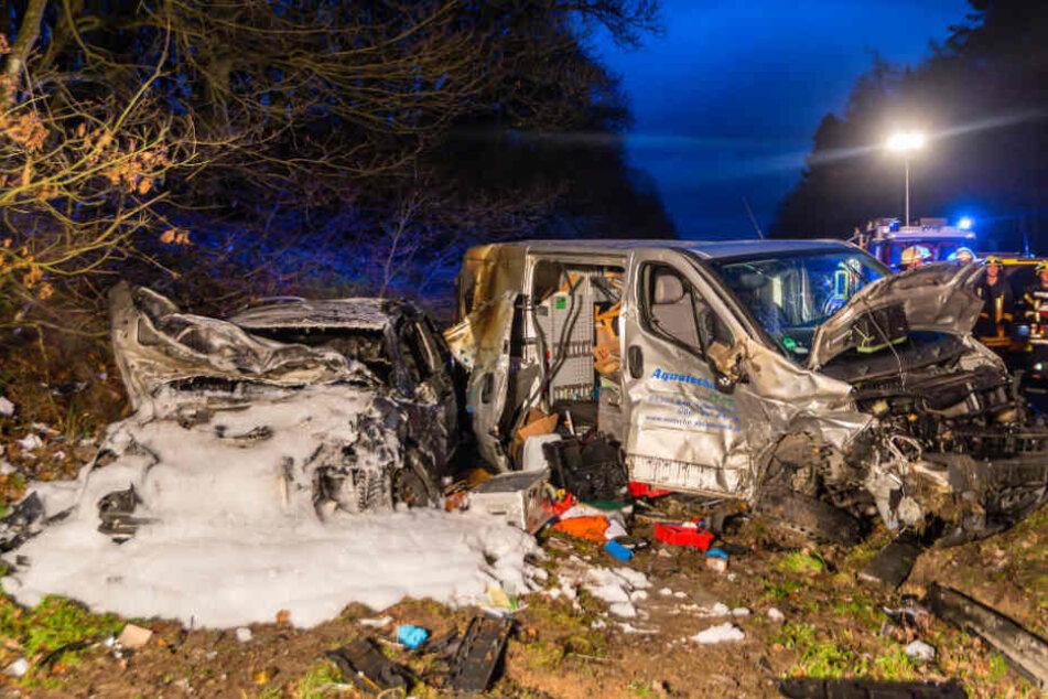 Das Feuer konnte noch gelöscht werden, bevor es auf den Transporter übersprang.