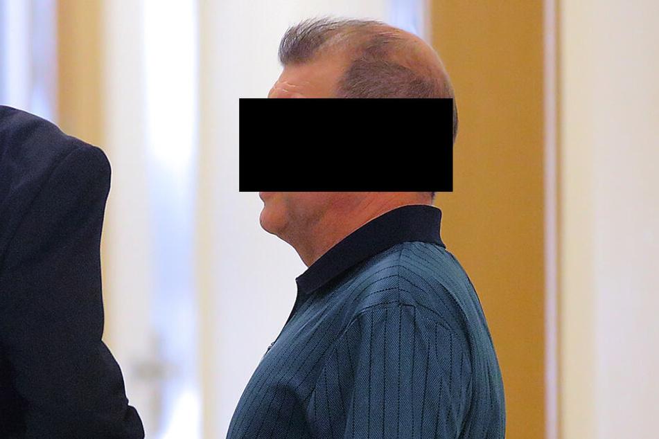 Günter G. (60) musste vor den Amtsrichter, weil er seine Familie tyrannisierte.