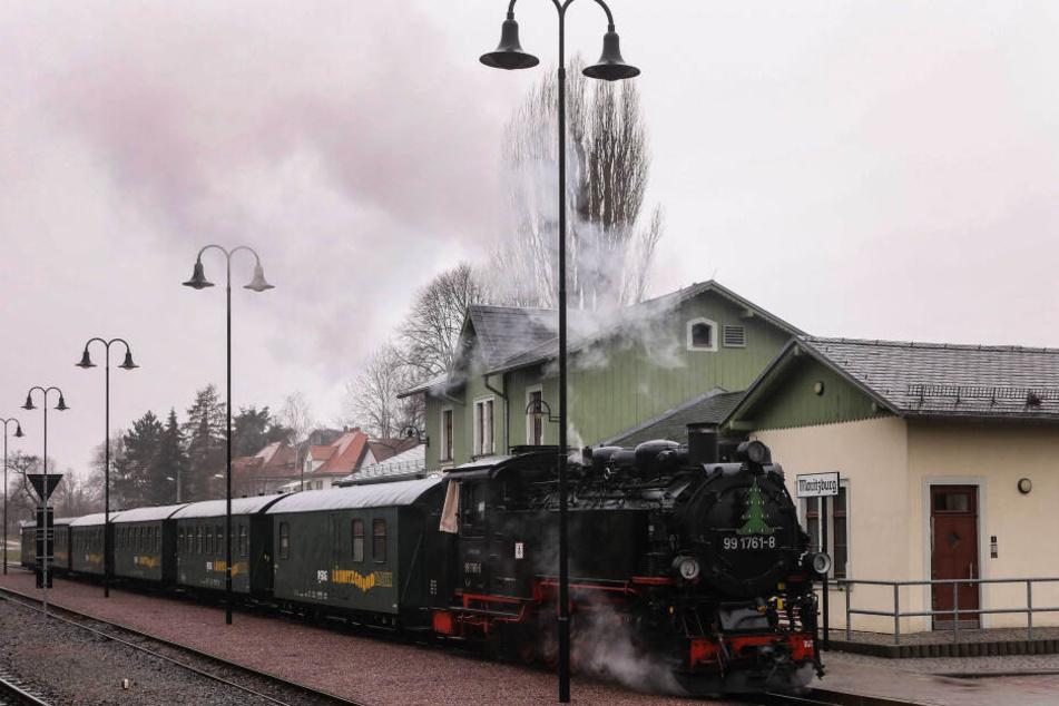 """Der """"Lößnitzdackel"""" zog mehr als 40000 Fahrgäste mehr an."""