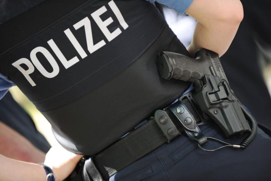Ein Polizist hatte zunächst versucht, den Angreifer mit Pfefferspray zu stoppen. Als das misslang, schoss ein anderer den Mann nieder. (Symbolbild)