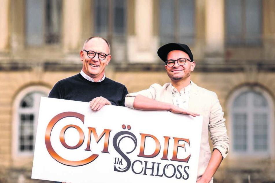 Comödien-Geschäftsführer Olaf Maatz (52, l.) und Intendant Christian Kühn (36) bringen mit dem Sommertheater Leben ins Übigauer Schloss.