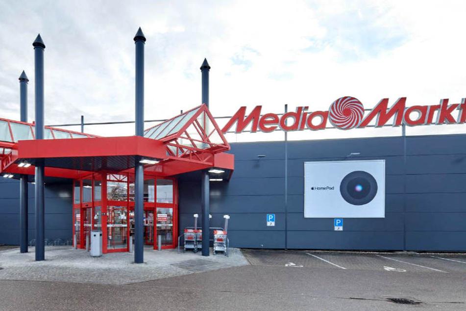 Mediamarkt Bruchsal Diesen Riesigen Tv Bekommt Ihr Jetzt 200 Euro