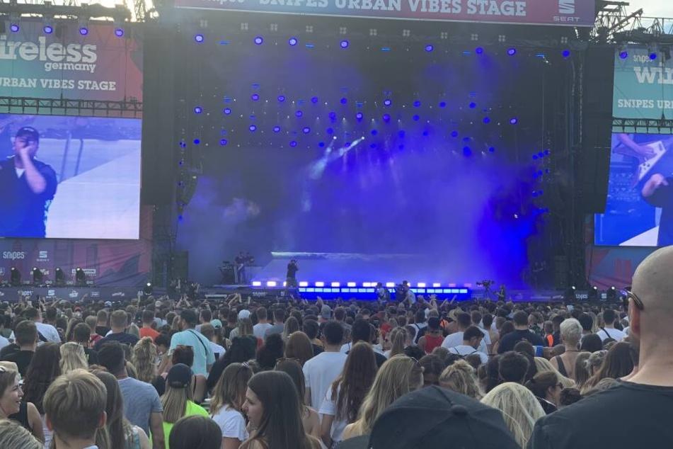 Rapper Marteria rockte zusammen mit Kumpel Casper die Bühne.